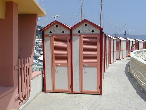 Attrezzature Balneari Meucci: Bagni Spiaggia d\'Oro - Imperia (IM)