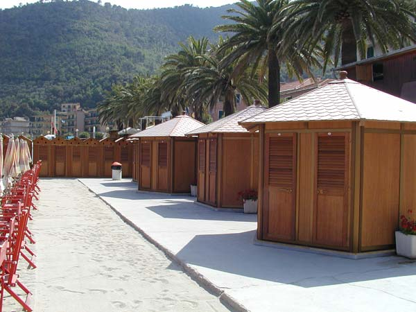 attrezzature balneari meucci: bagni vittoria - noli (sv)