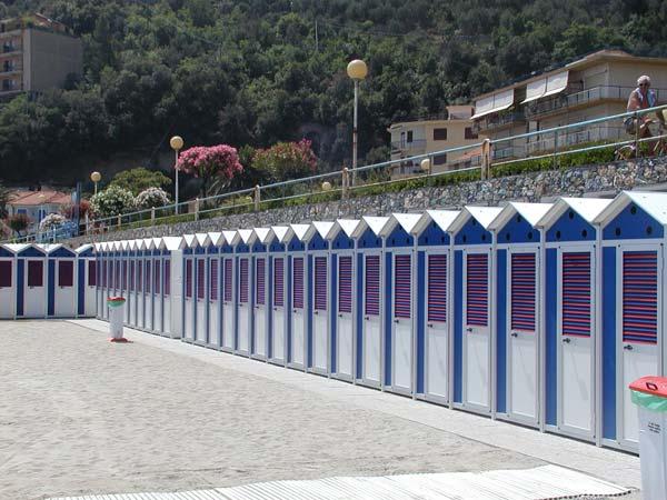 Attrezzature Balneari Meucci: Bagni La Spiaggia - Noli (SV)